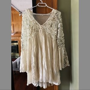 Rebellion Again Dress size medium off white colour